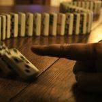 """""""Hiệu ứng domino"""" sẽ giúp bạn thực hiện hàng loạt những thói quen tốt trong cuộc sống"""