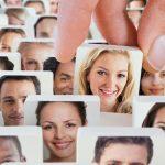 Các chuyên gia nói gì về tỉ lệ tìm được bạn đời trên ứng dụng hẹn hò?