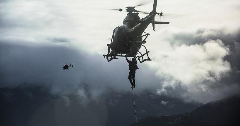 Một trong những phân đoạn hành động nguy hiểm thuộc hàng kinh điển của Tom Cruise (trong vai điệp viên Ethan Hunt).