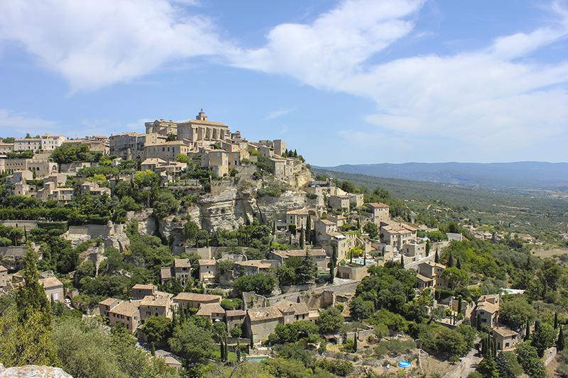 Những ngôi làng Pháp nhỏ, xinh và rất tình