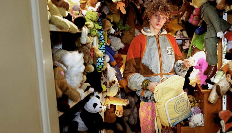"""""""Người sưu tập Gucci"""" có thể sưu tập bất kỳ đồ đạc nào họ thích. Từ thú nhồi bông ..."""