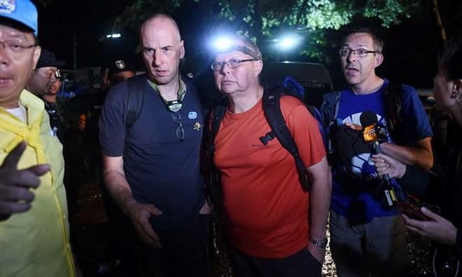 """Hai """"thiên sứ"""" tìm ra tung tích đội bóng Thái Lan mất tích"""
