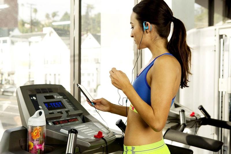 Chế độ tập luyện cần đi kèm thực đơn ăn uống lành mạnh với lượng calo phù hợp vẫn