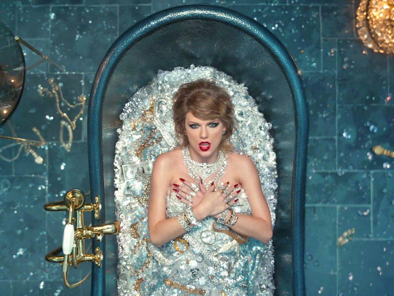 Taylor Swift bị hội đồng bình chọn VMAs ngó lơ.