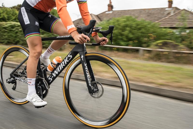 Đây là chiếc xe đạp đua nhanh nhất thế giới hiện nay đến từ thương hiệu Specialized.