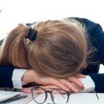 """Nữ nhân viên công sở tại Mỹ """"tham ô"""" hàng nghìn giờ làm để… ngủ"""