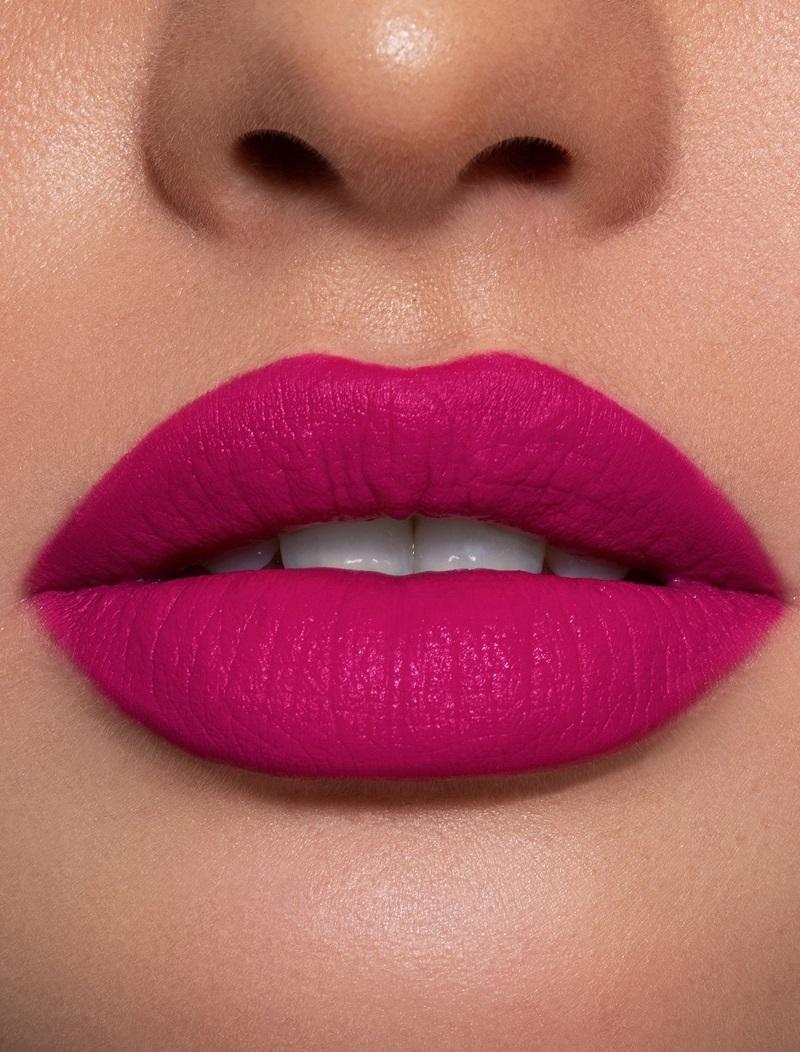 Màu hồng của Vacay có pha sắc tím thích hợp cho những cô nàng theo đuổi phong cách dịu dàng, nữ tính.