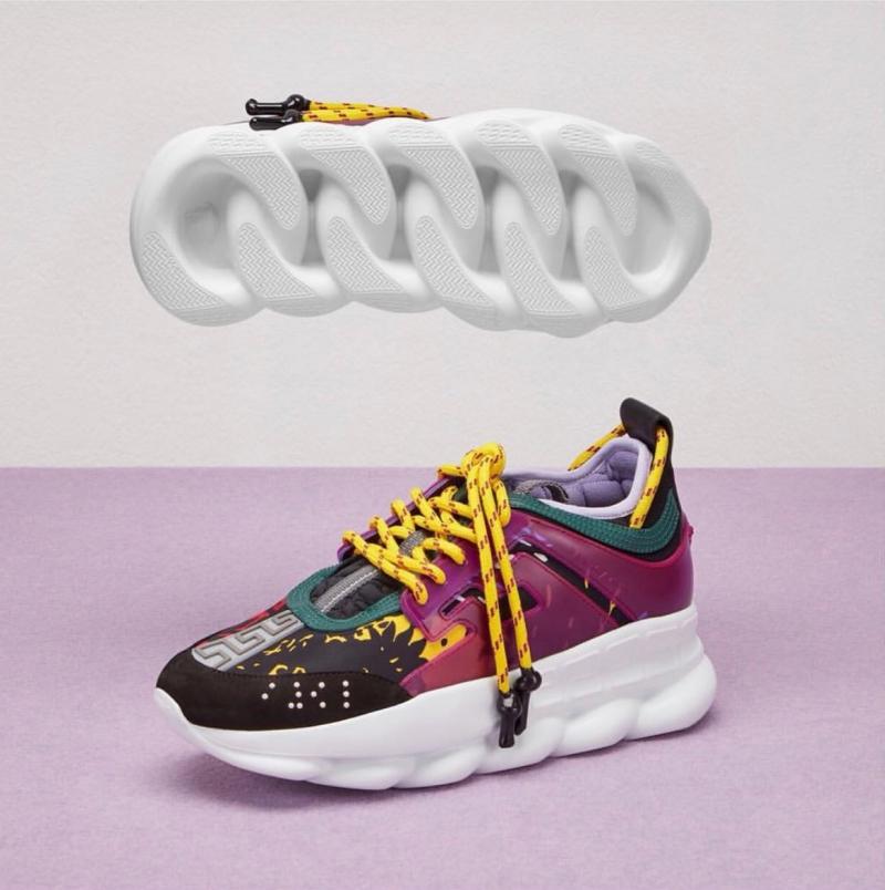 """Chain Reaction mang thiết kế giày sneakers truyền thống kết hợp với những chi tiết sáng tạo đặc sắc như phần đế giày mô phỏng mắt xích (""""chain"""")."""