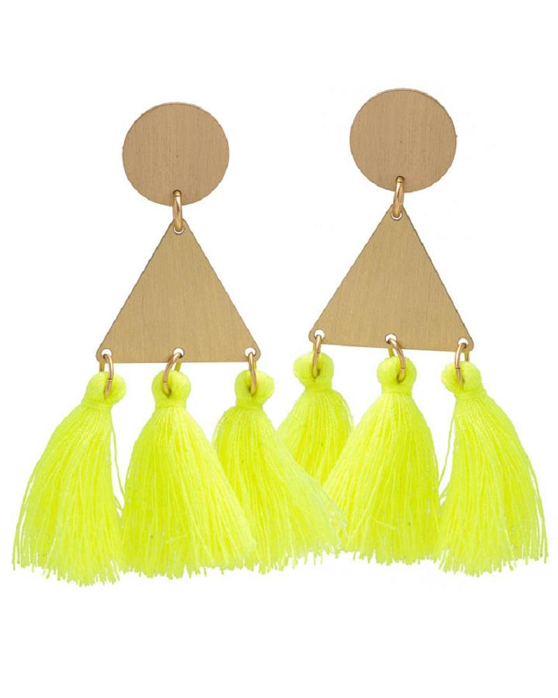 Gợi ý đến từ David Aubrey với đôi bông tai neon thêm sắc màu cho các cô nàng yêu phong cách boho.