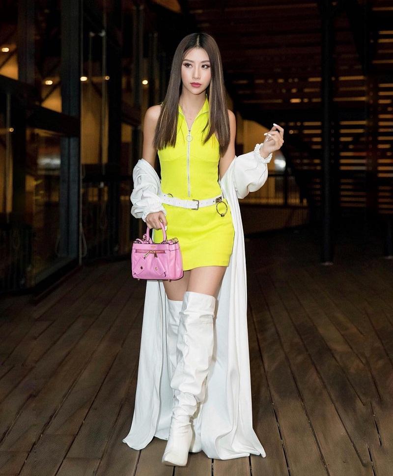 Quỳnh Anh Shyn vẫn xứng đáng là cô nàng dẫn đầu xu hướng neon tại Việt Nam.