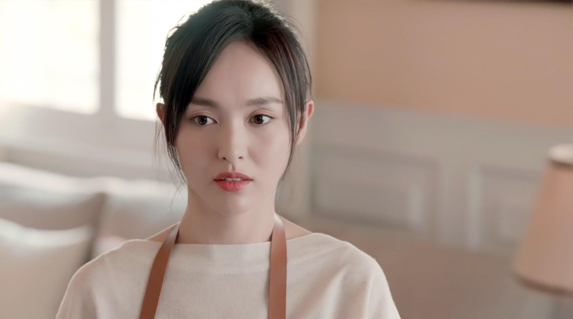Quy Khứ Lai cũng phải đối mặt với nhiều ý kiến trái chiều, đặc biệt là về diễn xuất của nữ chính Đường Yên.