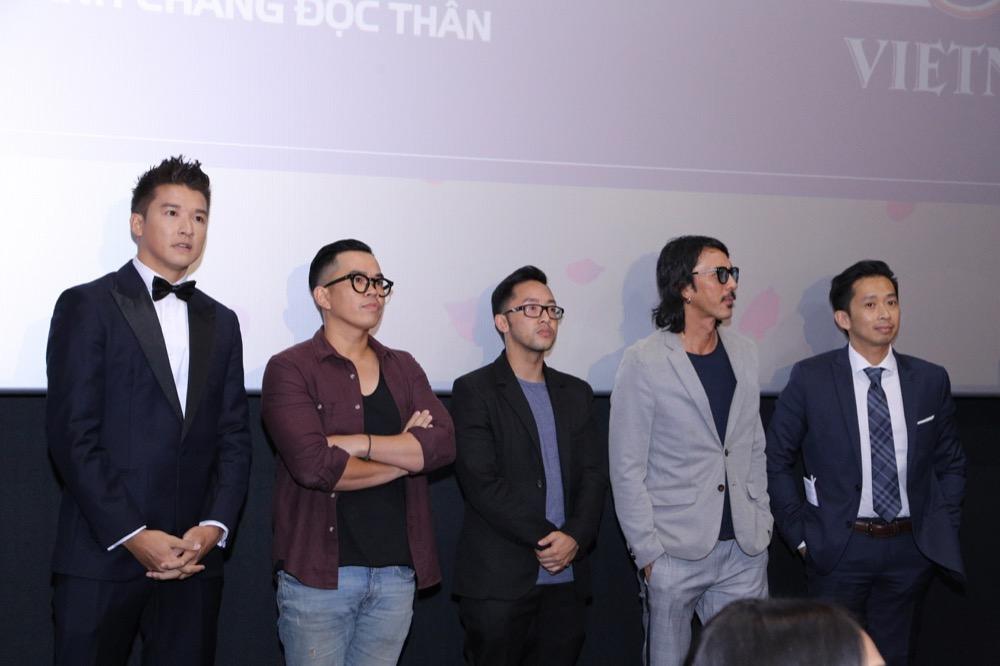 Các đạo diễn tham gia sản xuất chương trình chia sẻ về hành trình 6 tháng chuẩn bị và gần 2 tháng ghi hình liên tiếp tại Đà Nẵng, Huế.