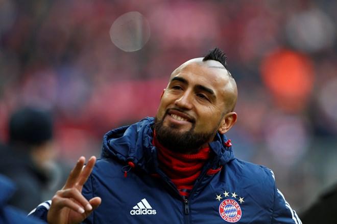 Chuyển nhượng 4/8: Vidal về Barcelona, Real liên tiếp đón tin sốc