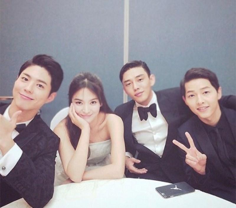 Park Bo-gum trong lễ cưới của Song Joong-ki và Song Hye-kyo.
