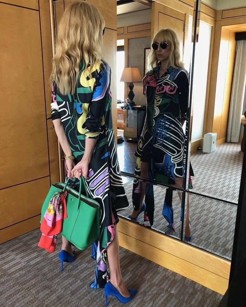 Sự thông minh và khéo léo trong cách chọn trang phục cho Celine Dion cũng là cách mà chàng stylist tài năng này đưa hình ảnh quý bà diva này không chỉ có trên những bảng xếp hạng âm nhạc, mà còn xuất hiện dày đặc trên các tạp chí thời trang đình đám. Thời gian gần đây, những kiểu tạo dáng cùng trang phục hút mắt của Celine Dion thậm chí còn được tờ TIME bình chọn là một trong những bức ảnh được lan truyền mạnh mẽ nhất trên mạng xã hội.