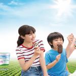 """Vì sao khách hàng thích thú với món kem thường xuyên """"cháy hàng"""" TH true Ice Cream?"""