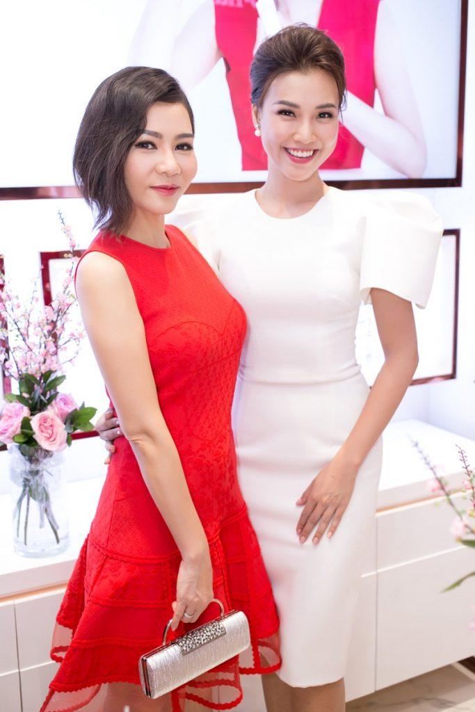 Ca sĩ Thu Minh và MC Hoàng Oanh