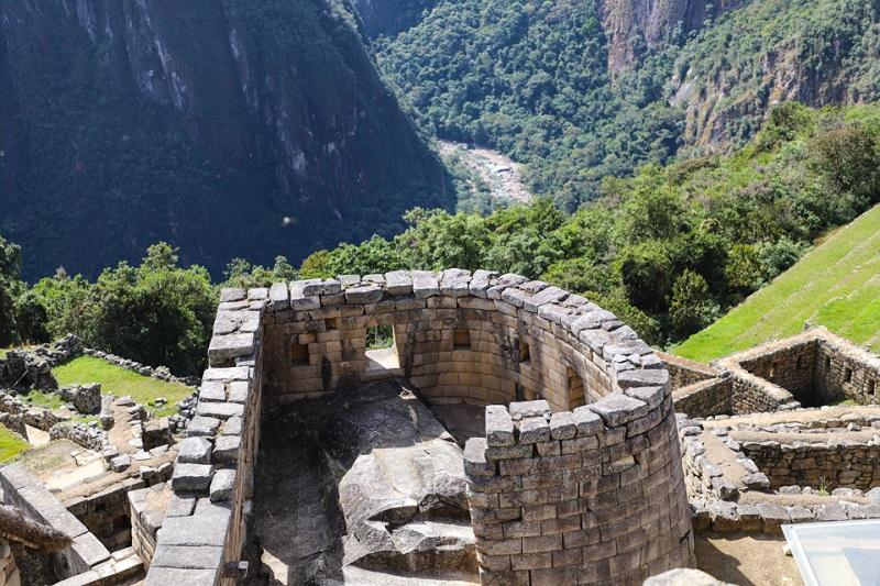 Ngôi đền mặt trời - ngôi đền thiêng của thành phố tọa lạc ở vị trí cao nhất.
