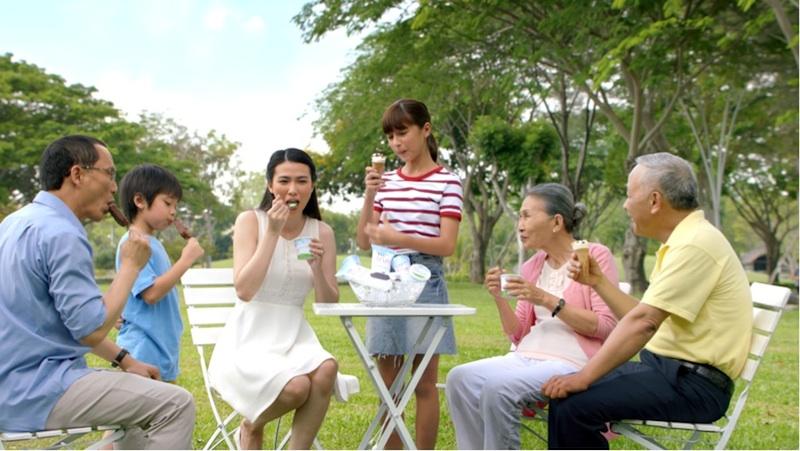 Kem là món ăn mang lại sự hạnh phúc, tận hưởng và vui vẻ nhưng phải đủ dưỡng chất và an toàn