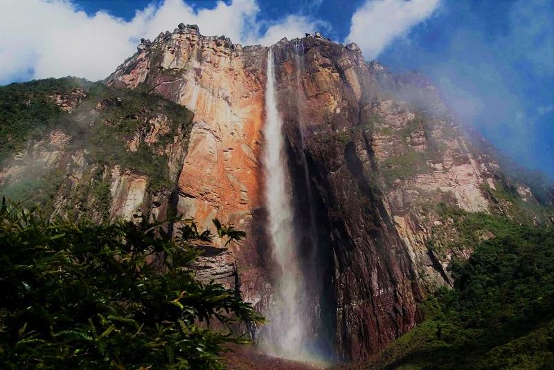 Thác Angel là một trong những điểm đến thu hút du lịch hàng đầu tại Venezuela.