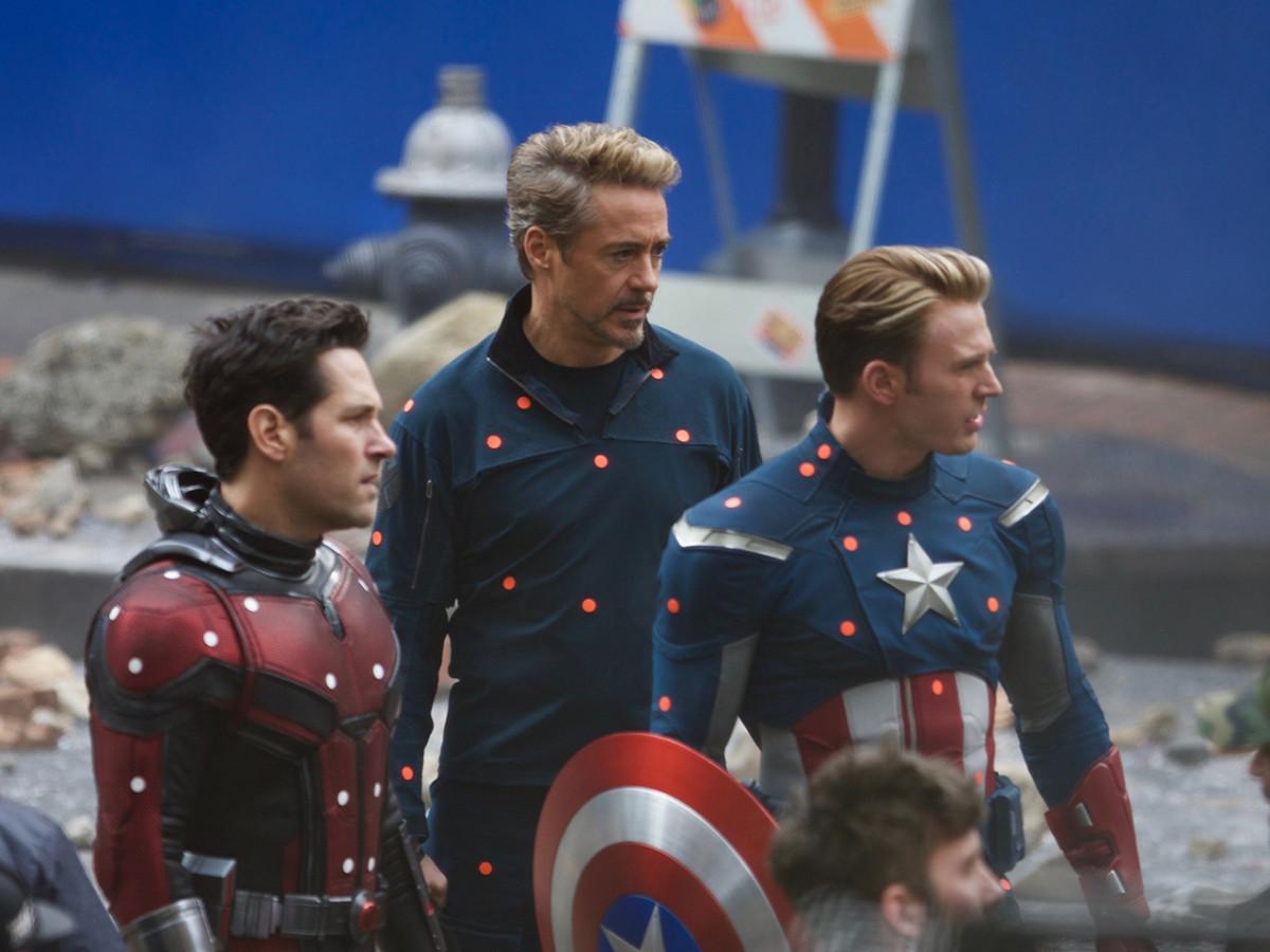"Marvel còn ""om"" trailer ""Avengers 4"" tới bao giờ?"