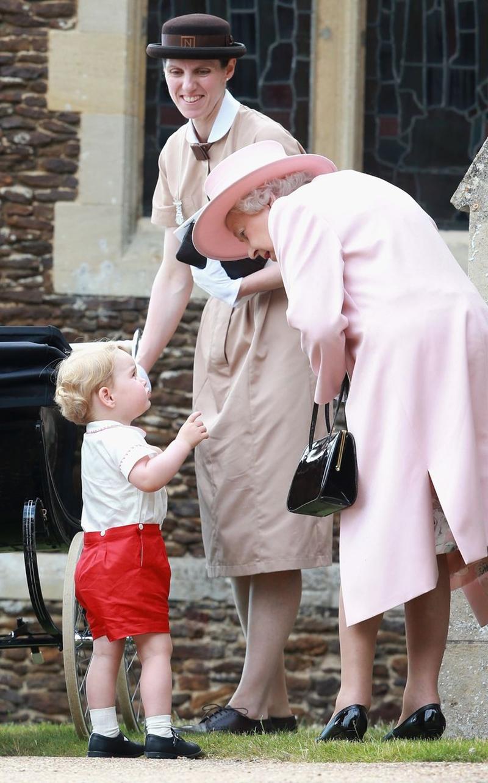 tiểu Hoàng tử George và tiểu Công chúa Charllote không chỉ gọi Nữ hoàng là bà cố mà còn có cách gọi yêu thương hơn là Gan-Gan