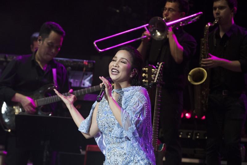 """Ba thiết kế trong tour diễn là những cách thể hiện khác biệt, được thực hiện """"đo ni đóng giày"""" cho diva Mỹ Linh."""