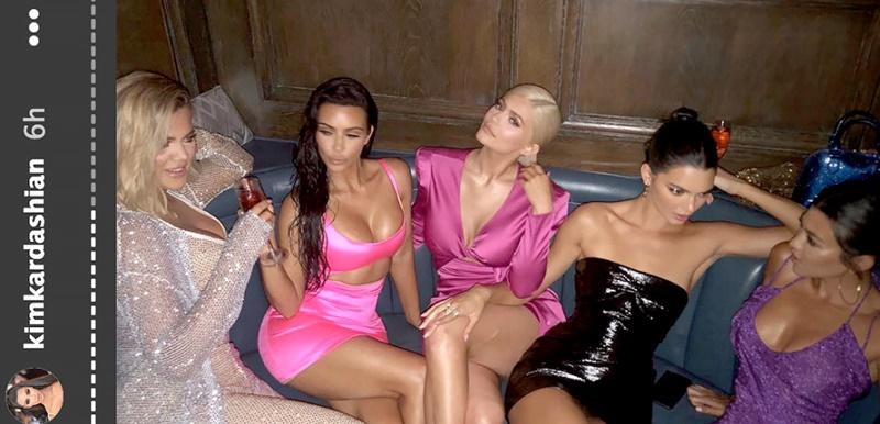Hình ảnh các chị em trong buổi tiệc tối.