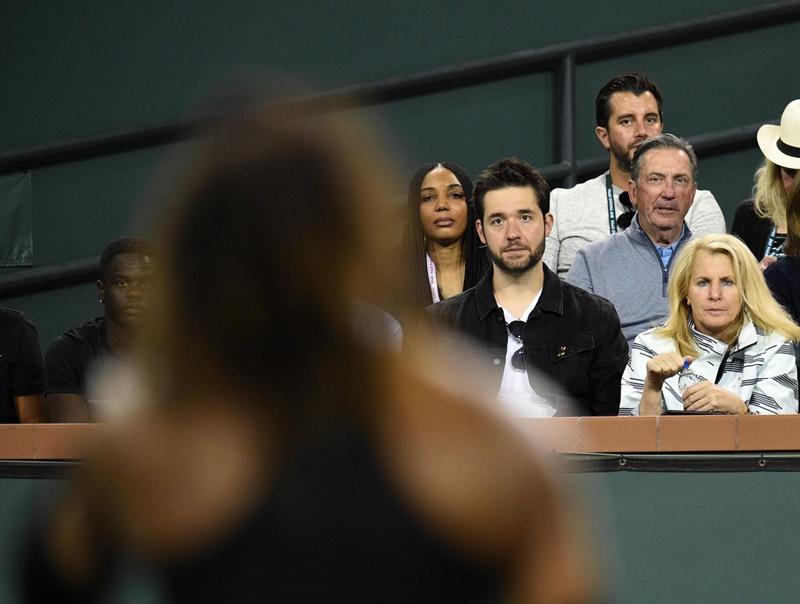 Hầu hết các buổi thi đấu của Serena luôn có sự hiện diện của Alexis
