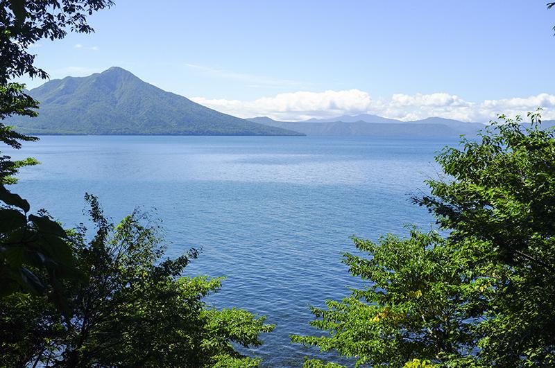 Hồ Shikotsu.