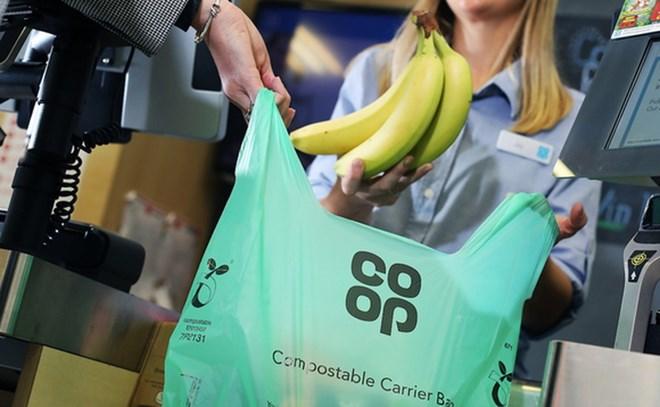 Chuỗi siêu thị lớn của Anh sẽ bắt đầu cấm sử dụng túi nilon