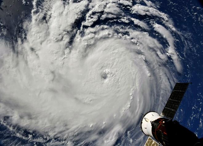 Mỹ ứng phó bão Florence: Thủ đô Washington lần đầu dùng đê chắn lũ