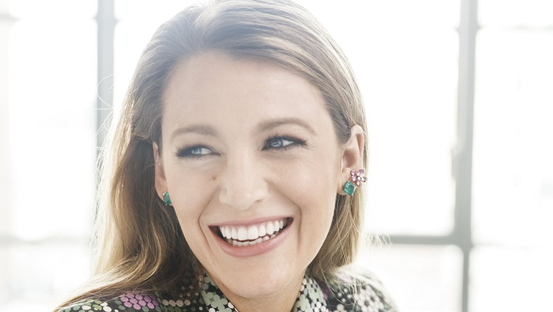 """Blake Lively: """"Gone Girl"""" tiếp theo của Hollywood?"""