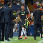 Ronaldo khóc nức nở khi phải rời sân với tấm thẻ đỏ trực tiếp