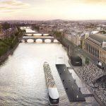 Khi dòng sông Seine trở thành sàn diễn thời trang