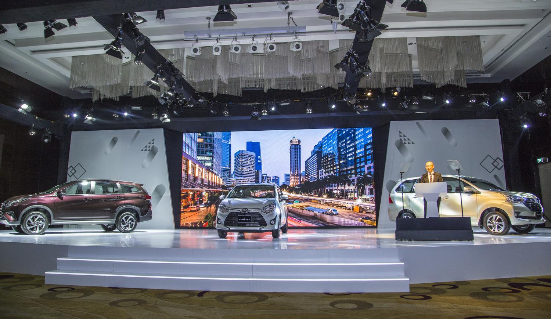 """Toyota ra mắt 3 mẫu xe Wigo, Avanza, Rush với giá rẻ """"giật mình"""""""
