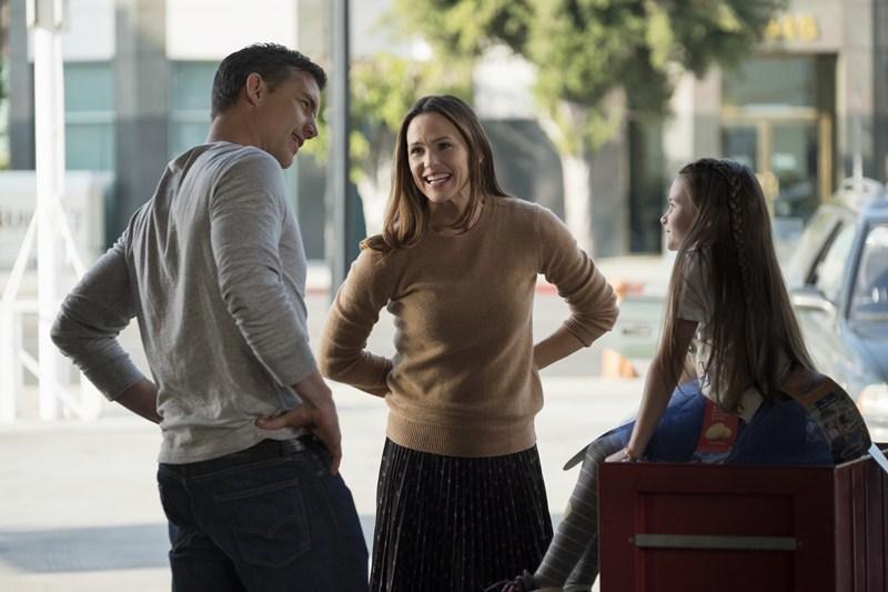 Jeff Hephner, Jennifer Garner and Cailey Fleming star in PEPPERMINT