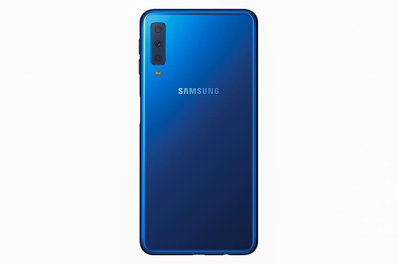 Samsung Galaxy A7 chính thức ra mắt với 3 camera sau