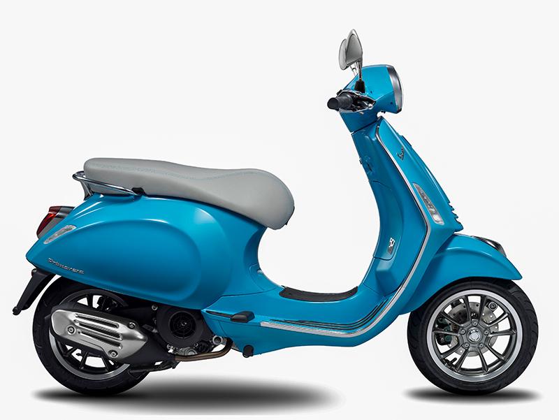 vespa-primavera-50th-anniversary-light-blue-side