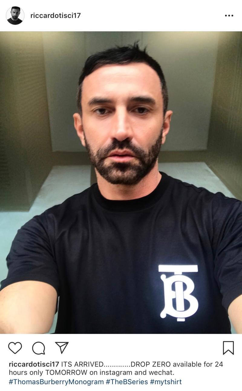 """NTK Riccardo Tisci cũng """"khoe"""" chiếc áo mới của Burberry trên trang Instagram của mình."""