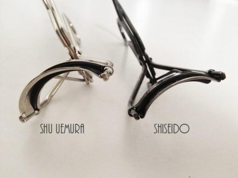 """""""Cuộc chiến"""" giữa kẹp mi Shiseido và Shu Uemura chưa bao giờ ngã ngũ"""