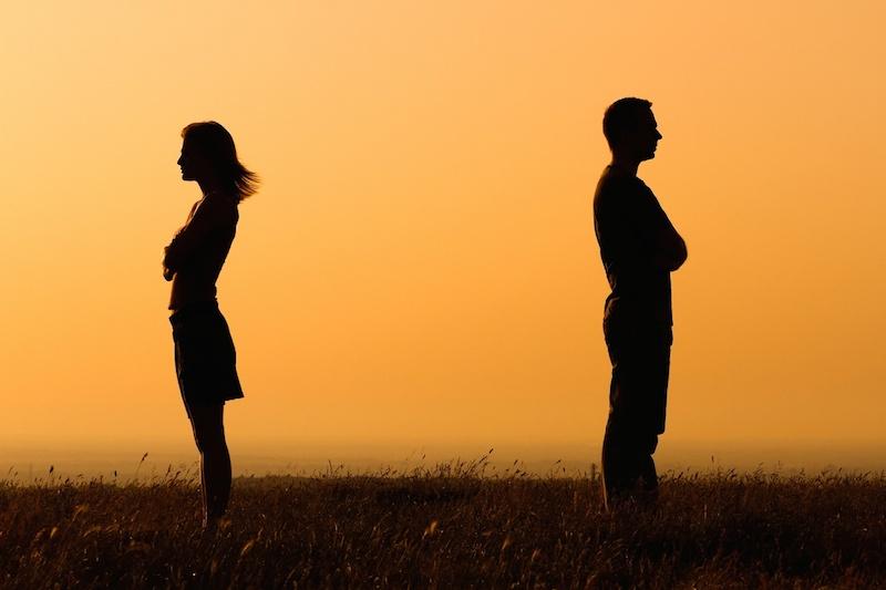"""Hậu chia tay, đàn ông nên làm gì để """"vá"""" vết thương lòng?"""