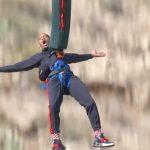 """Mừng sinh nhật 50 tuổi """"chất"""" như Will Smith: Nhảy bungee từ máy bay trực thăng ở hẻm núi Grand Canyon"""