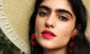 Thu là mùa của những đôi môi đỏ thắm