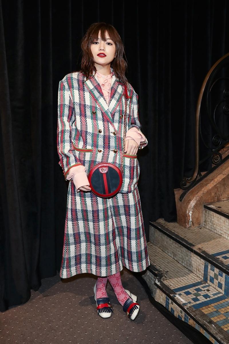 Mỹ nhân Nhật Bản Haruna Kawaguchi diện nguyên cây Gucci tại show Xuân Hè 2019 của thương hiệu.