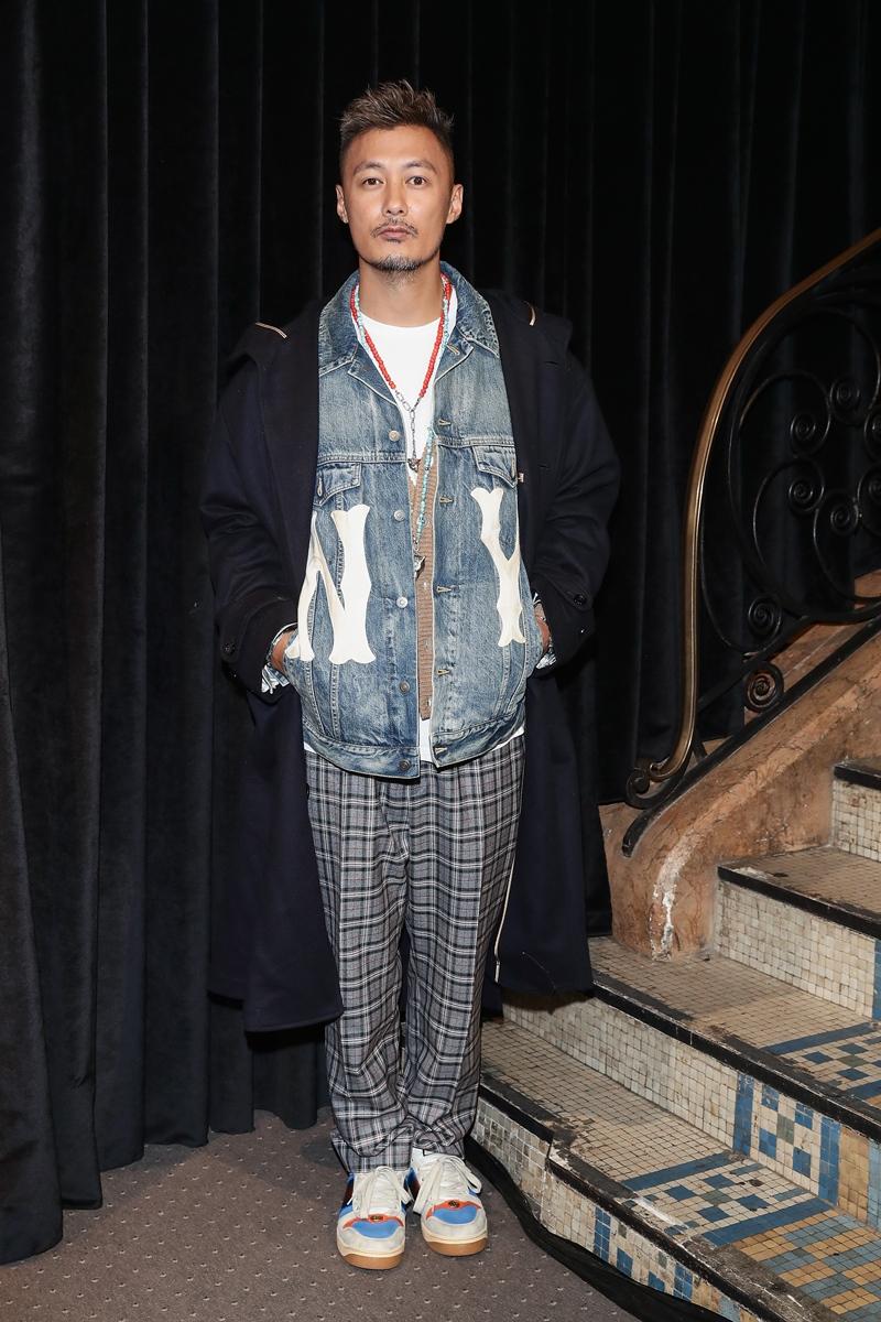 Nam diễn viên Hong Kong Dư Văn Lạc là một trong số những nhân vật influencer được các thương hiệu luxury ưu ái.