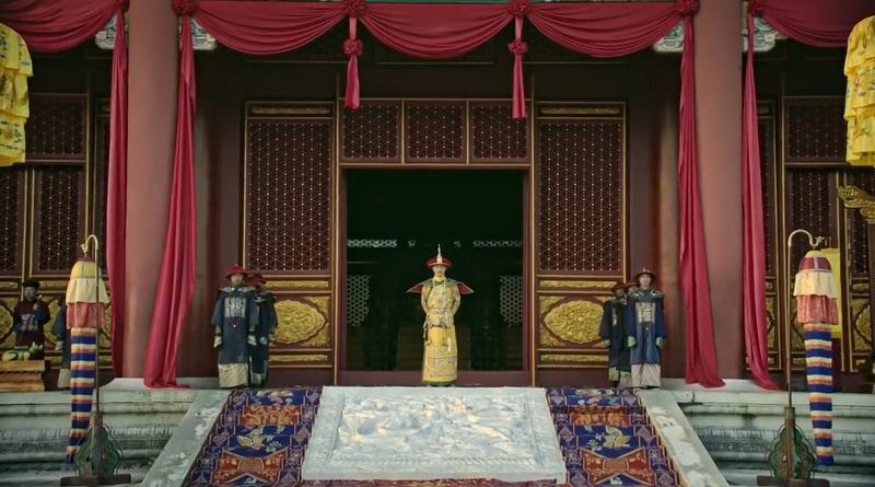 Hoàng đế đón tân hậu tại điện Thái Hoà.