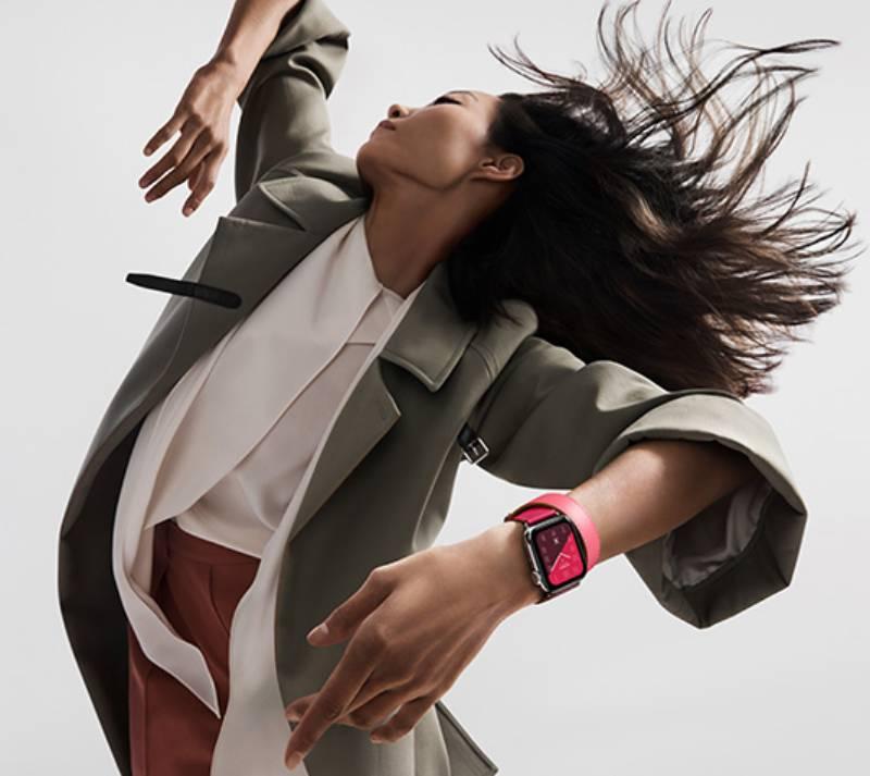 Đồng hồ Apple Watch Hermès Series 4 nổi bật với phối màu vô cùng ấn tượng.