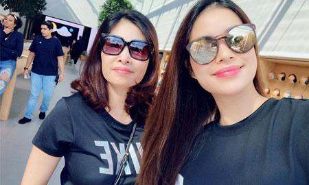 Hoa hậu Phạm Hương sang Mỹ điều trị bệnh tuyến giáp