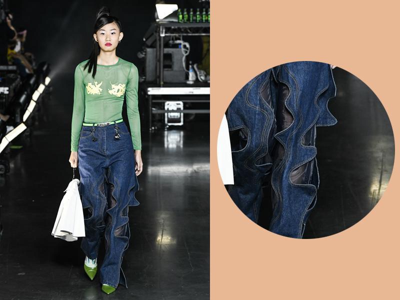 Hay ống quần jeans được cắt theo hình gợn sóng cũng là một nét đặc trưng cho phong cách denim của BST lần này.
